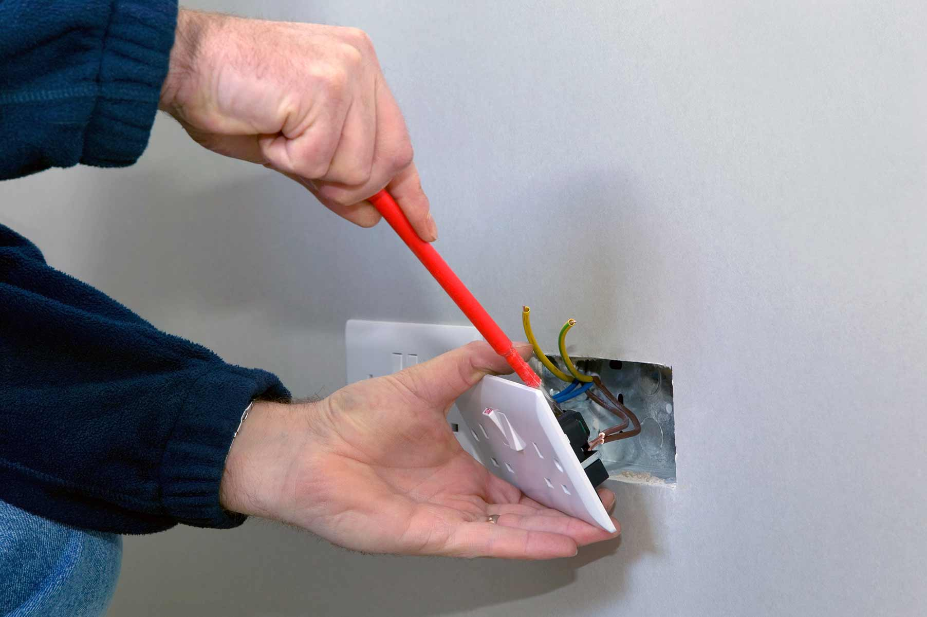 Our electricians can install plug sockets for domestic and commercial proeprties in Braintree and the local area.